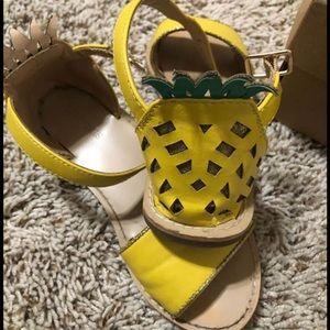 Crewcuts Kids pineapple sandals K11